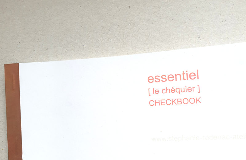 essential / checkbook